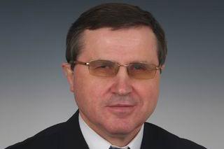 Олег Смолин: Необразованными легче управлять